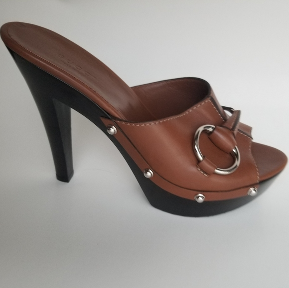 Gucci Shoes - Authentic Beautiful GUCCI Leather Clogs.